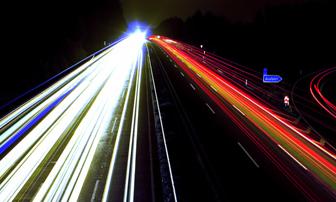 EN 13201 rev. 2015 – Presentazione – Requisiti illuminotecnici dell'illuminazione esterna cosa cambia